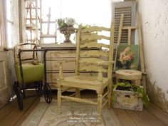 French provencal armchair, XVIIIth - Distressed Shabby Provence green - Furniture for dollhouse at 1:12th scale