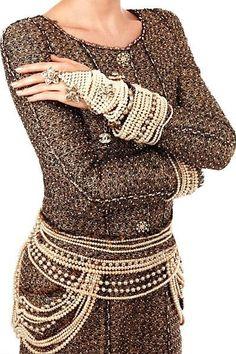sofiazchoice:  Sofiaz Choice: Chanel   Creme de la Creme——Chanel Pearls
