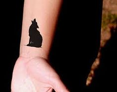 Bildresultat för small wolf tattoo