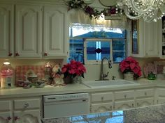 Christmas Kitchen...love all the pink touches