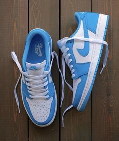 Sneaker Outfits, Converse Sneaker, Puma Sneaker, Nike Outfits, Moda Sneakers, Sneakers Mode, Sneakers Fashion, Shoes Sneakers, Vans Shoes