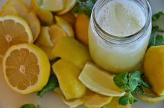 Agua alcalina: 1.Jarra de 2L agua + rodajas de limon 2.Cucharadita de sal del Himalaya. Tapar y reposar durante la noche (8-12h) 3. Beber 2 vasos en ayunas para equilibrio alcalino.