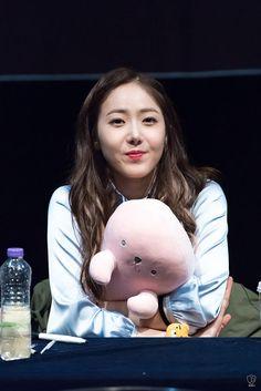 So cute... South Korean Girls, Korean Girl Groups, Sinb Gfriend, Fan Picture, G Friend, Dance Moves, Kpop Girls, Music, Cute