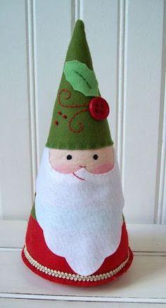 Santa with molding material - Navidad - noel Christmas Hearts, Christmas Makes, Simple Christmas, Christmas Holidays, Father Christmas, Handmade Christmas, Christmas Crafts Sewing, Christmas Projects, Holiday Crafts