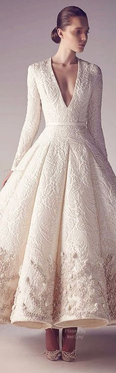 The length, the neckline- ❤️❤️Wedding dresses - Bruidsjurken