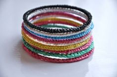 Recycled plastic bags bracelets | Recyclart
