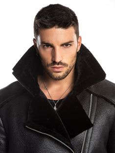 YUKON SHEARLING COAT IN BLACK Short Hair Undercut, Undercut Hairstyles, Barber Haircuts, Haircuts For Men, Hair And Beard Styles, Hair Styles, Beautiful Men Faces, Awesome Beards, Face Men