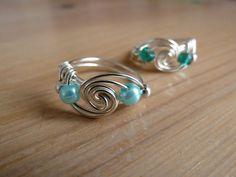 Spiralring mit Perlen