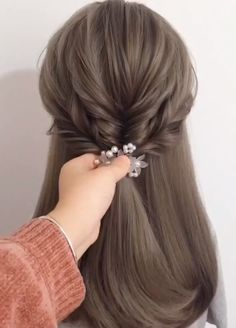 Haare Hairstyles like this one make are always the prettiest ✨✨ Laminate Flooring Article Body: Lami Cute Wedding Hairstyles, Easy Hairstyles For Long Hair, Braided Hairstyles, Cool Hairstyles, Medium Length Wedding Hairstyles, Fairy Hairstyles, Wedding Hairstyles Tutorial, Hairstyles Videos, Hair Up Styles
