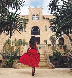 "Gefällt 781.7 Tsd. Mal, 1,469 Kommentare - Shay Mitchell (@shaymitchell) auf Instagram: ""I had a photo like this sitting on my vision board for YEARS. A woman in a red dress in Morocco…"""