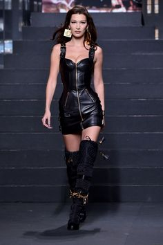 Bella Hadid sizzles in black leather mini-dress on the Moschino X H&M catwalk with sister Gigi H&m Fashion, Leather Fashion, Fashion Models, Fashion Show, Fashion Outfits, Womens Fashion, Women's Runway Fashion, High Fashion Dresses, Leather Outfits