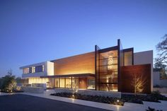 The OZ Residence by Swatt Miers Architects