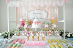 A festa de 2 anos da baby C - Carlota's Candy Shop Dessert Buffet, Candy Buffet, Dessert Tables, Blog Da Carlota, Festa Party, Vintage Party, Cake Table, Party Entertainment, Candy Shop