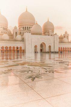 Light by JulianJohnPhotography Mecca Wallpaper, Islamic Quotes Wallpaper, Sunset Wallpaper, Scenery Wallpaper, Beautiful Mosques, Beautiful Buildings, Mekka Islam, Mosque Architecture, Islamic Paintings