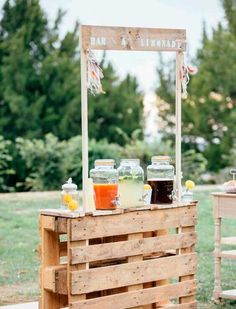 """""""I do"""" to these Fab 100 Rustic Wooden Pallet Wedding Ideas . - Geburtstagsideen -Say """"I do"""" to these Fab 100 Rustic Wooden Pallet Wedding Ideas . Table Decoration Wedding, Hippie Wedding Decorations, Garden Party Decorations, Rustic Garden Party, Wedding Centerpieces, Rustic Theme Party, Rustic Wedding Backdrops, Flower Decoration, Brew Bar"""