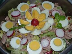 Tonhalas saláta Eggs, Breakfast, Food, Salads, Morning Coffee, Essen, Egg, Meals, Yemek