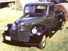 1946 GMC Pickup Notice how similar to the Chevrolet. Trucks For Sale, Cool Trucks, Cool Cars, Dodge Trucks, Chevrolet Trucks, Chevy, Gmc Pickup, Pickup Trucks, Go Karts For Sale