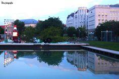 Esti városkép az Erzsébet téri medence víztükrében03