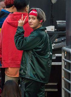 BTS Photos - Korean K-pop band 'BTS' are seen at 'Jimmy Kimmel Live' in Los Angeles, California. - BTS at 'Jimmy Kimmel Live' Kim Namjoon, Kim Taehyung, Jung Hoseok, Seokjin, Taehyung Gucci, Taehyung 2017, Bts Jungkook, Daegu, Foto Bts