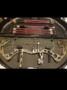 Archery Bows, Bowhunting, Animal Games, Anime, Crossbow, Tactical Gear, Arches, Archery Hunting, Cartoon Movies