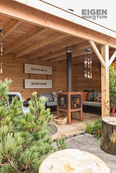 Although ancient throughout strategy, your pergola may be experiencing a modern-day renaissance these kind of Backyard Pavilion, Backyard Seating, Backyard Patio Designs, Modern Backyard, Outdoor Pergola, Backyard Landscaping, Gazebo, Diy Outdoor Kitchen, Outdoor Rooms