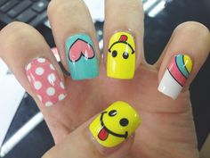 Unha Decorada Emoji 36 Modelos para Fazer e se Divertir Nail Art Diy, Cool Nail Art, Diy Nails, Cute Nails, Funky Nails, Trendy Nails, Emoji Nails, Nail Art For Kids, Toe Nail Designs