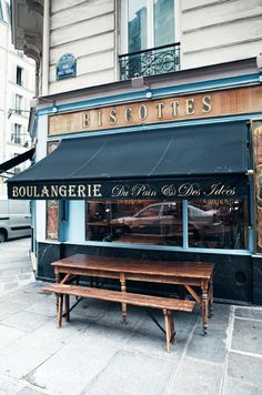 Du Pain et Des Idées - Paris, France