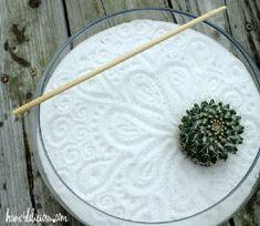 Mini jardín zen casero - bol vidrio arena blanca y cactus
