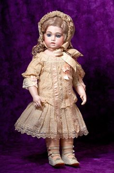 Lot: EXQUISITE FRENCH BRU, CIRCLE/DOT MODEL WITH RARE, Lot Number: 0114, Starting Bid: $6,000, Auctioneer: Frasher's Doll Auction, Auction: Dolls - We must be pretty for Kansas City, Date: July 15th, 2015 CEST