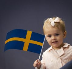 Princess Estelle of Sweden had the patriotic for the Jubilee of the 40 years of reign of her Grandpa King Carl XVI Gustaf of Sweden on 15.09.13