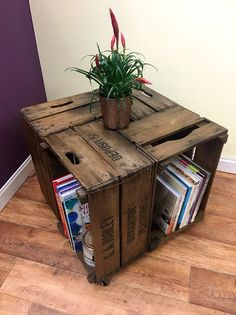 59 ideas crate shelves bedroom coffee tables for 2019 Retro Coffee Tables, Diy Coffee Table, Coffee Table Design, Vintage Coffee, Diy Table, Retro Table, Wood Table, Apple Crate Shelves, Apple Crates