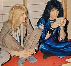 Save The Queen, I Am A Queen, Freddie Mercury, Screaming Girl, Roger Taylor Queen, Queen Aesthetic, Queen Photos, Cyndi Lauper, Joan Jett