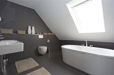 Afbeeldingsresultaat voor badkamer schuine wand