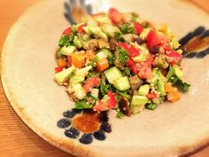 グルテンフリー生活の相棒レシピ! キヌアと11品目のヘルシーサラダのつくりかた。(Mayumi Nakamura)|定番ファッション(流行・モード)|VOGUE
