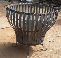Brasero Nido  $95.000   iva Iron Fire Pit, Fire Pit Grill, Metal Fire Pit, Wood Burning Fire Pit, Fire Pit Backyard, Fire Pit Sphere, Fire Basket, Outdoor Fireplace Designs, Wrought Iron Decor