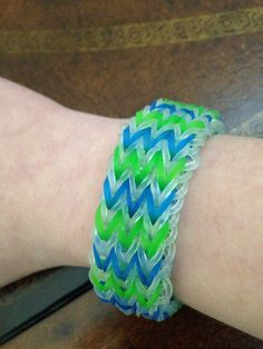 This is a triple fishtail bracelet. It is very fun to make and I recommend tutorials by A video on YouTube Fishtail Bracelet, Rainbow Loom Bracelets, Fun Crafts, Tutorials, Board, Youtube, Jewelry, Fun Diy Crafts, Jewlery