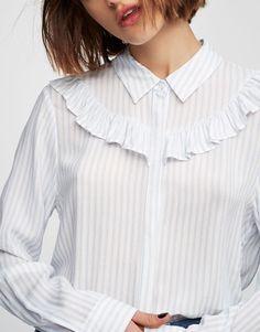 Chemise imprimée volants - Blouses et chemises - Vêtements - Femme - PULL&BEAR France
