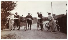Cyclists looking at maps, about 1900 | by National Media Museum