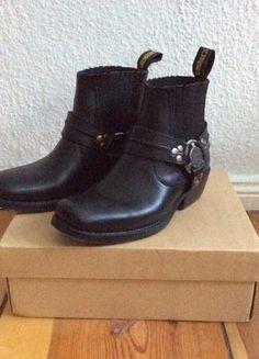Kaufe meinen Artikel bei #Kleiderkreisel http://www.kleiderkreisel.de/damenschuhe/stiefeletten/140323369-schwarze-echt-leder-biker-boots