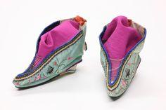 Foot_binding_shoes_1.jpg (4368×2912)