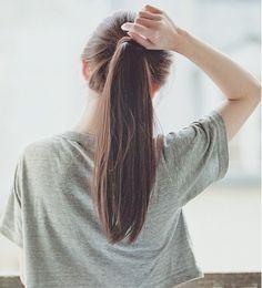 A perfect ponytail. 1million Dance Studio, Foto Instagram, Jolie Photo, Ponytail Hairstyles, Hair Ponytail, Girl Photography Poses, Gilmore Girls, Stylish Girl, Ulzzang Girl