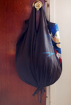 No-Sew T-shirt Bags by -leethal-