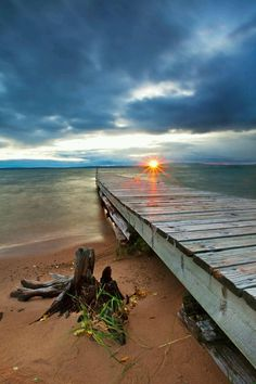 A stormy evening on Lake Superior at sunset, as seen from Madeline Island, Wisconsin - Robert Longsdorf Photography Foto Picture, Photo D Art, Sea Photo, Pretty Pictures, Cool Photos, Beautiful World, Beautiful Places, Vida Natural, Lake Superior
