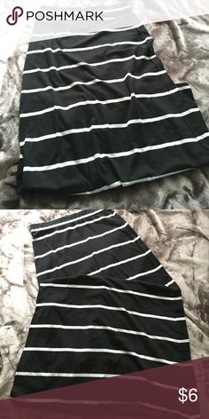Forever 21 maxi skirt. Great condition. I have only worn it once. Forever 21 Skirts Maxi