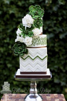 Featured Wedding Cake: Bellaria Cakes Design by Riany Clement; 25 Wedding Cake Inspiration with Striking Color and Details: Featured Wedding Cake: Bellaria Cakes Design by Riany Clement Gorgeous Cakes, Pretty Cakes, Amazing Wedding Cakes, Amazing Cakes, Bolo Floral, Green Cake, Traditional Wedding Cake, Unique Cakes, Wedding Cake Inspiration