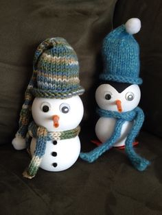 Snowman and Penguin Great way to use POM juice bottles and bits of yarn. Fill with sand.