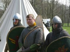 Norman miles at the FFC Marsfeld. Training event for the Battle of Hastings reenactment in october. Gloves are not historical, only for protection during combat.