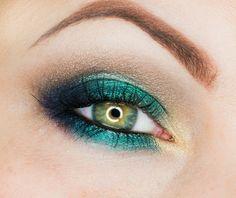 Wieczorowy makijaż w kolorach