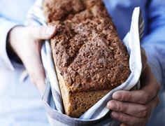 Hjemmebagt kernerugbrød Bread Recipes, Banana Bread, Food And Drink, Desserts, Bread, Tailgate Desserts, Dessert, Postres