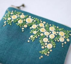 Новости Embroidery Bags, Cross Stitch Embroidery, Embroidery Patterns, Hand Embroidery Projects, Embroidery Hoop Art, Floral Embroidery, Hand Embroidery Designs, Silk Ribbon Embroidery, Machine Embroidery